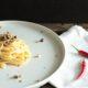 Spaghetti aglio, olio, peperoncino e pistacchi