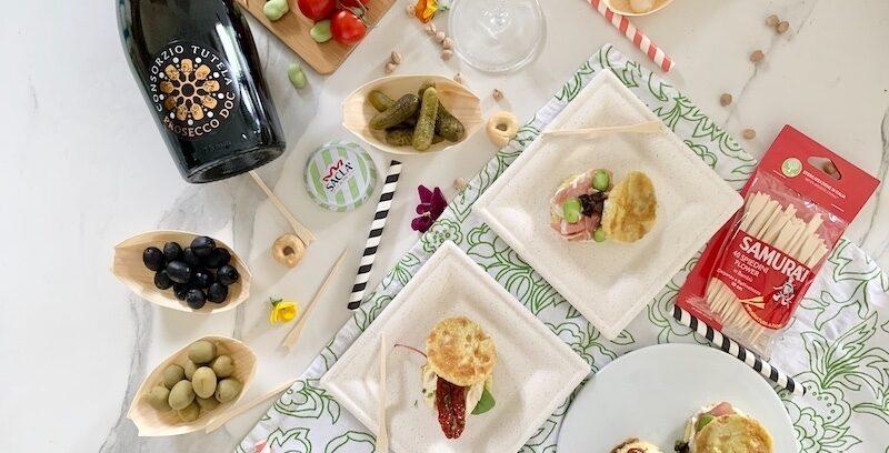 I bocconcini di frittata dolce ripieni sono una perfetta idea per un aperitivo casalingo in perfetto stile italiano. La ricetta è facile e veloce, basta solo accompagnarla con olive, sottaceti e un bel calice di Prosecco Doc, servire il tutto in comode mono-porzioni e il gioco è fatto.