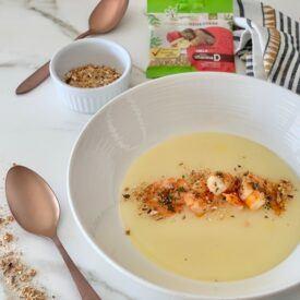 La crema di patate con gamberi e funghi Bio Shiitake è un piatto ricco e gustoso, molto facile da realizzare. I gusti sono arricchiti dal fungo Shiitake.