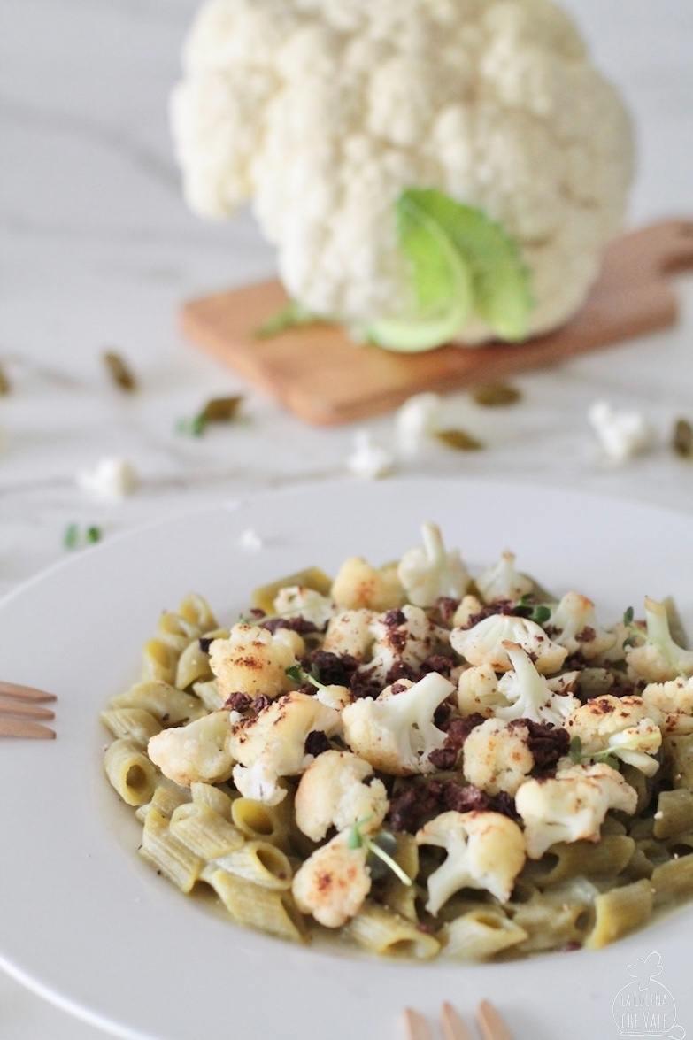 La pasta con il cavolfiore è una ricetta sana e nutriente, golosa e ricca Ho usato la pasta proteica con la farina di piselli senza glutine.
